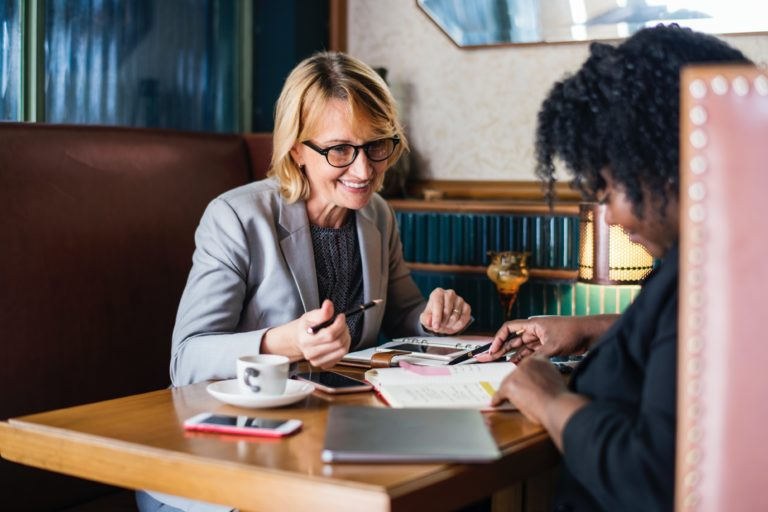 lawyers-discussing-employment-law